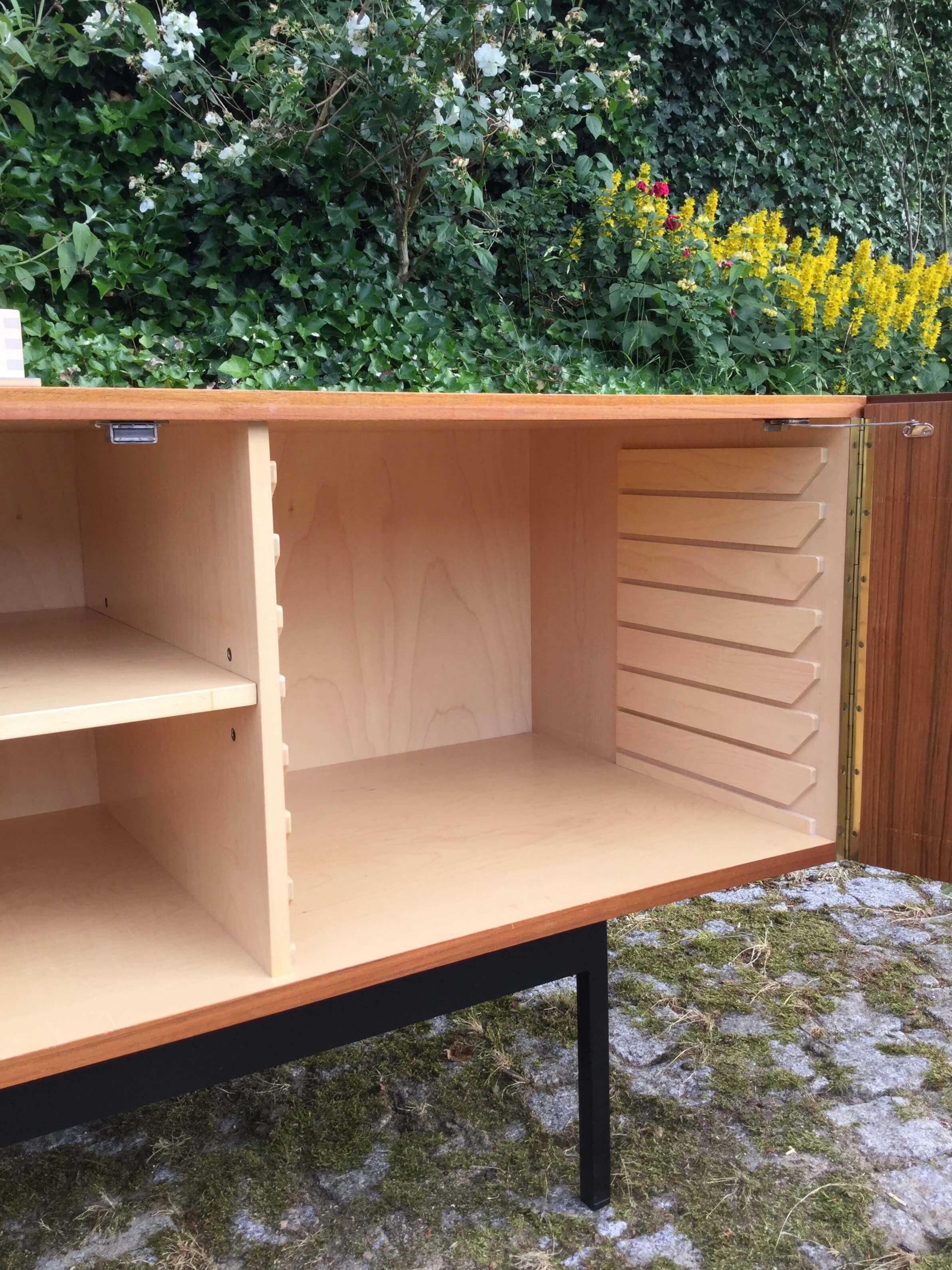 Vintage teakhouten B40 Sideboard