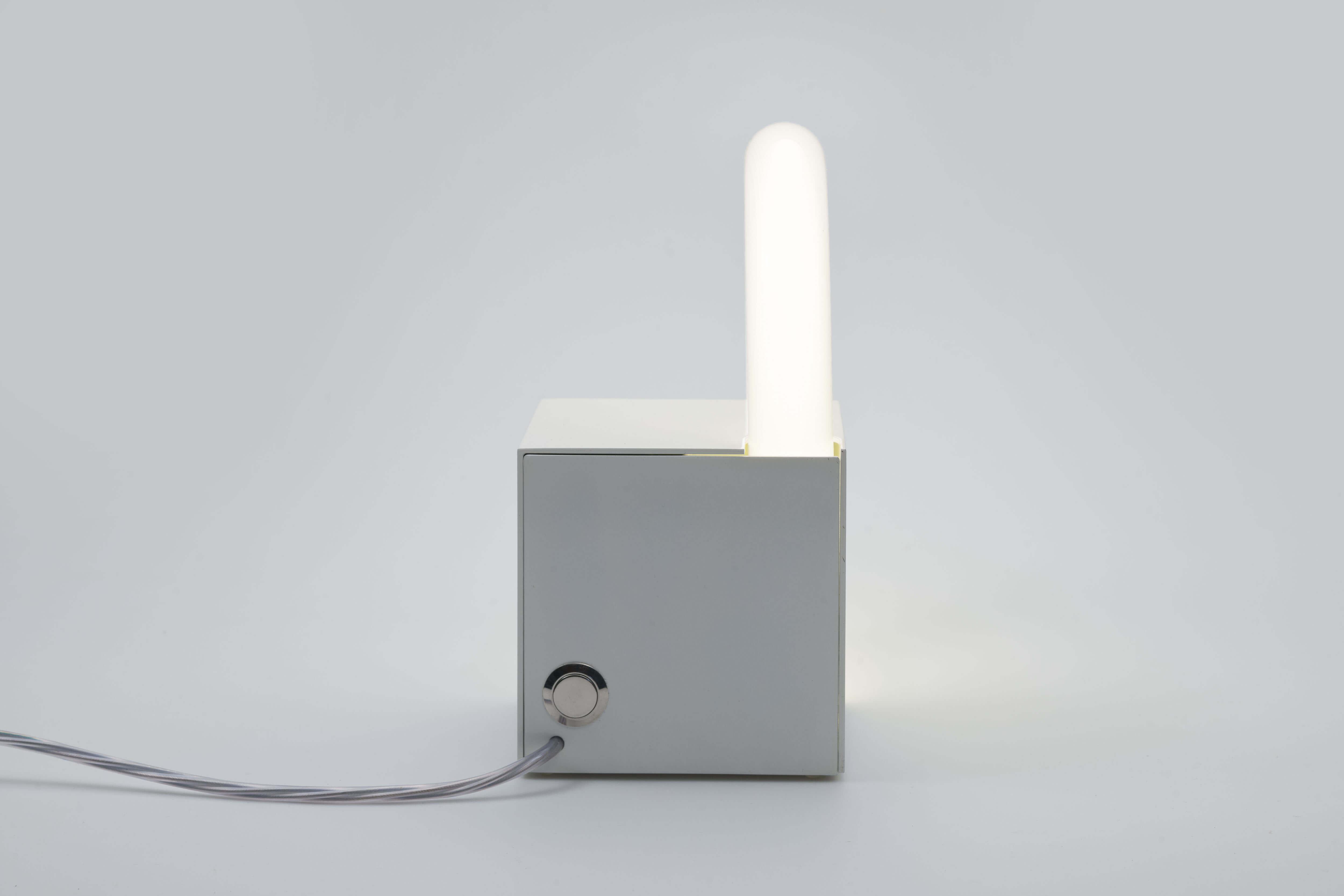 Vintage fluorescent Cube lamp door Aldo van den Nieuwelaar