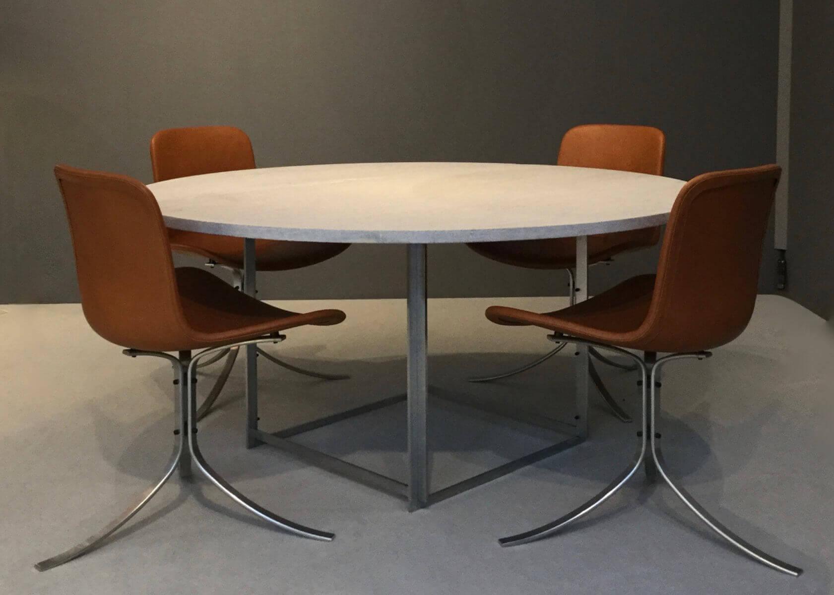 Vintage Poul Kjaerholm eetkamerset PK54 Tafel en vier PK9 stoelen