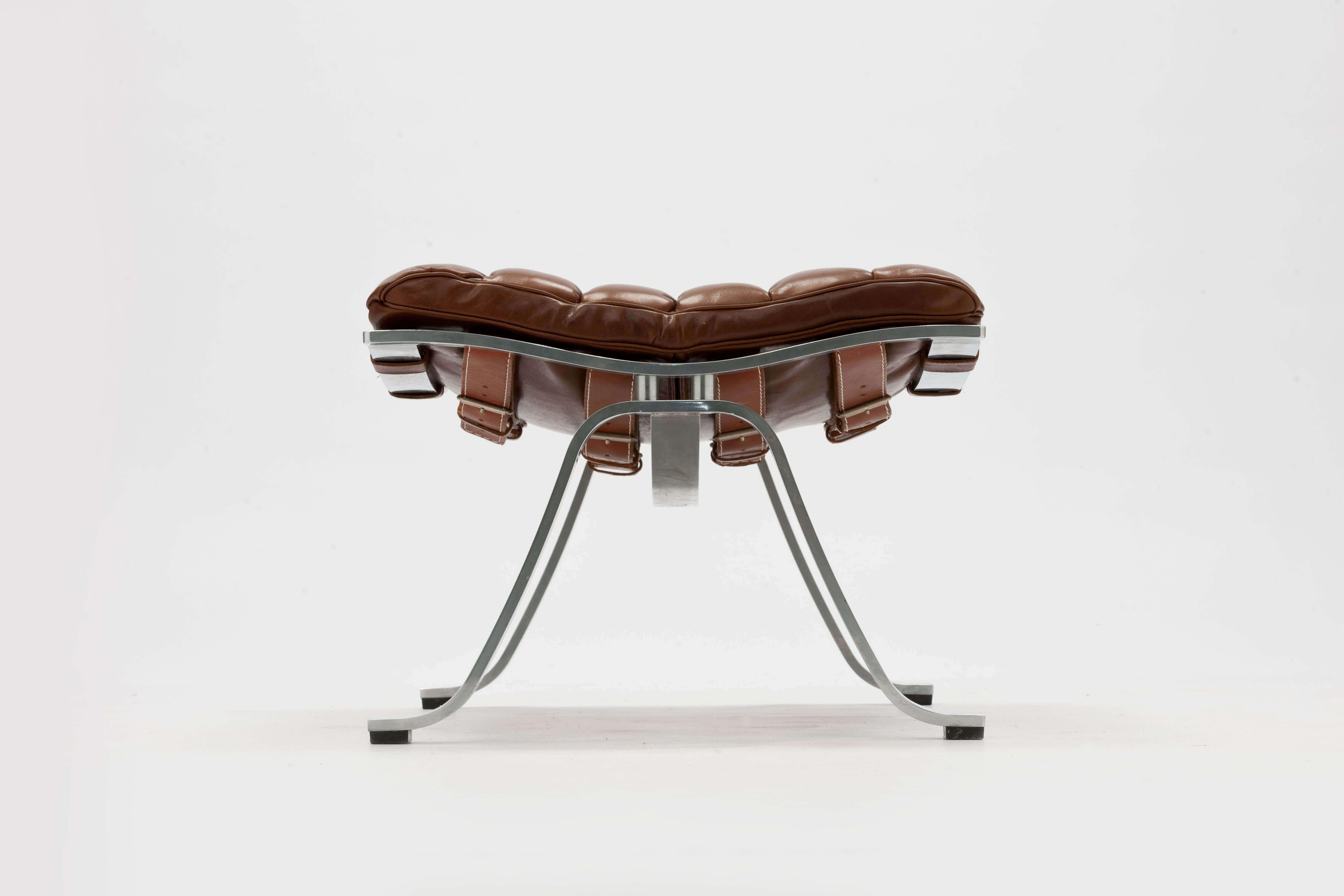 Vintage ARI lounge chair met voetenbank