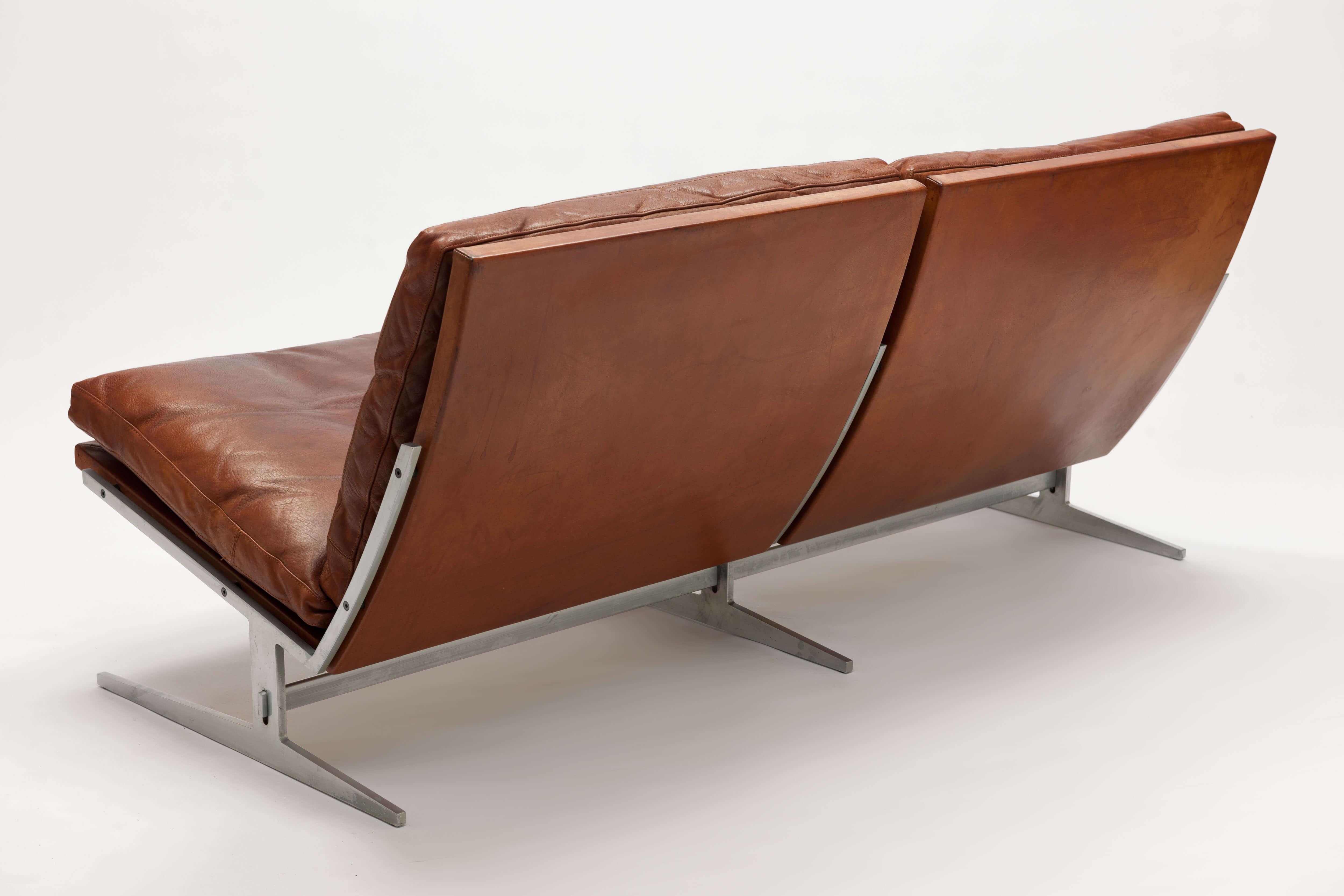 Vintage model BO-562 2-zitsbank