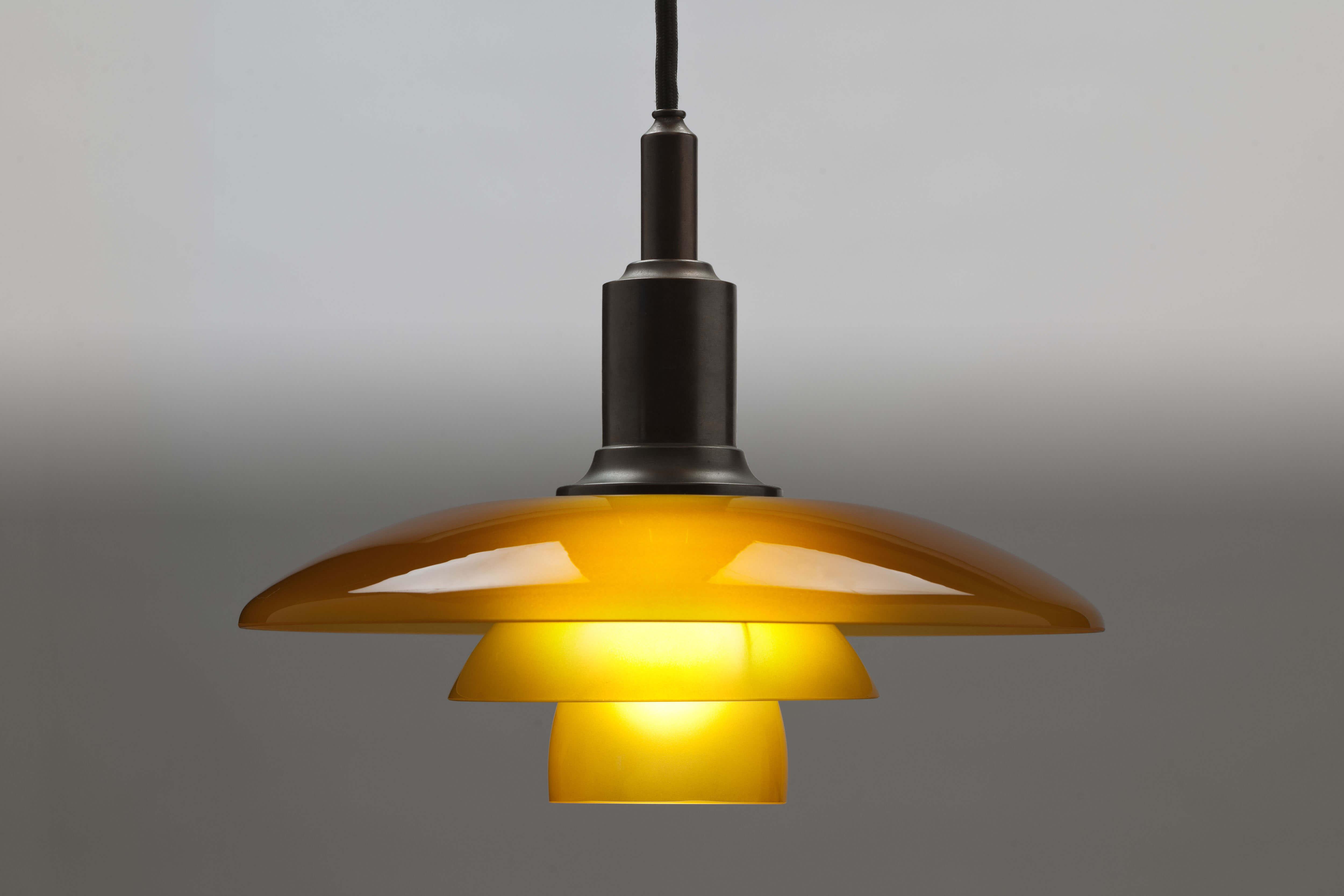 Gebronsd Messing PH3/2 Amber Hanglamp