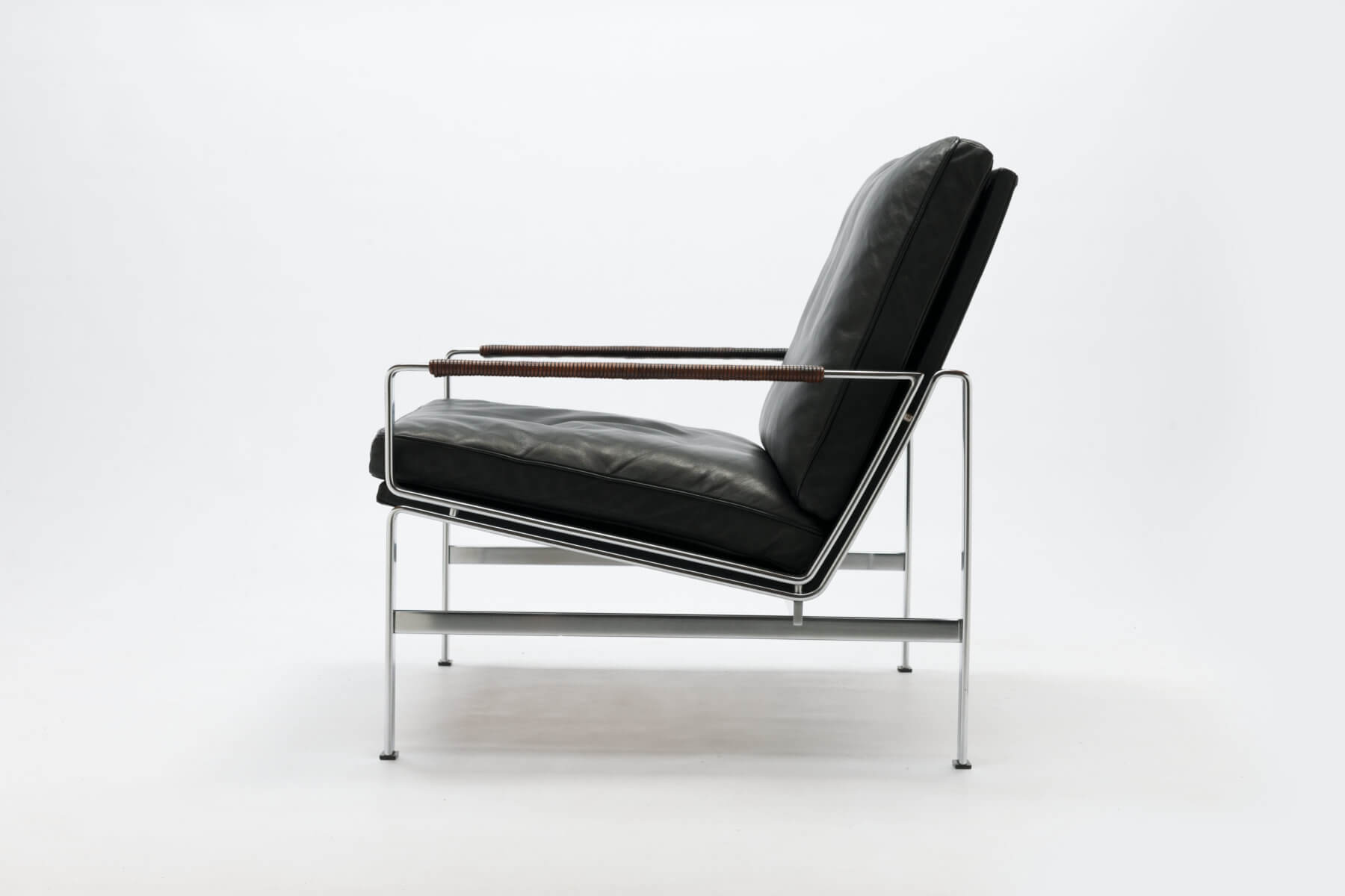 Vintage FK6720 Lounge Chair