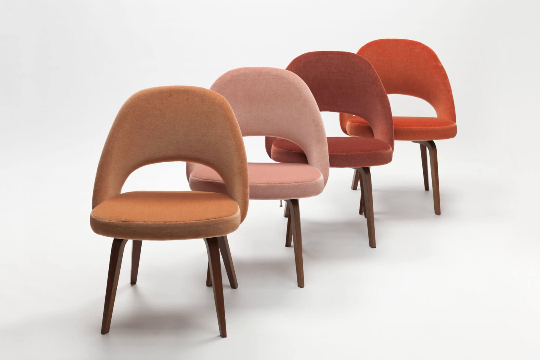 Vintage 'Conference Chairs' met houten poten