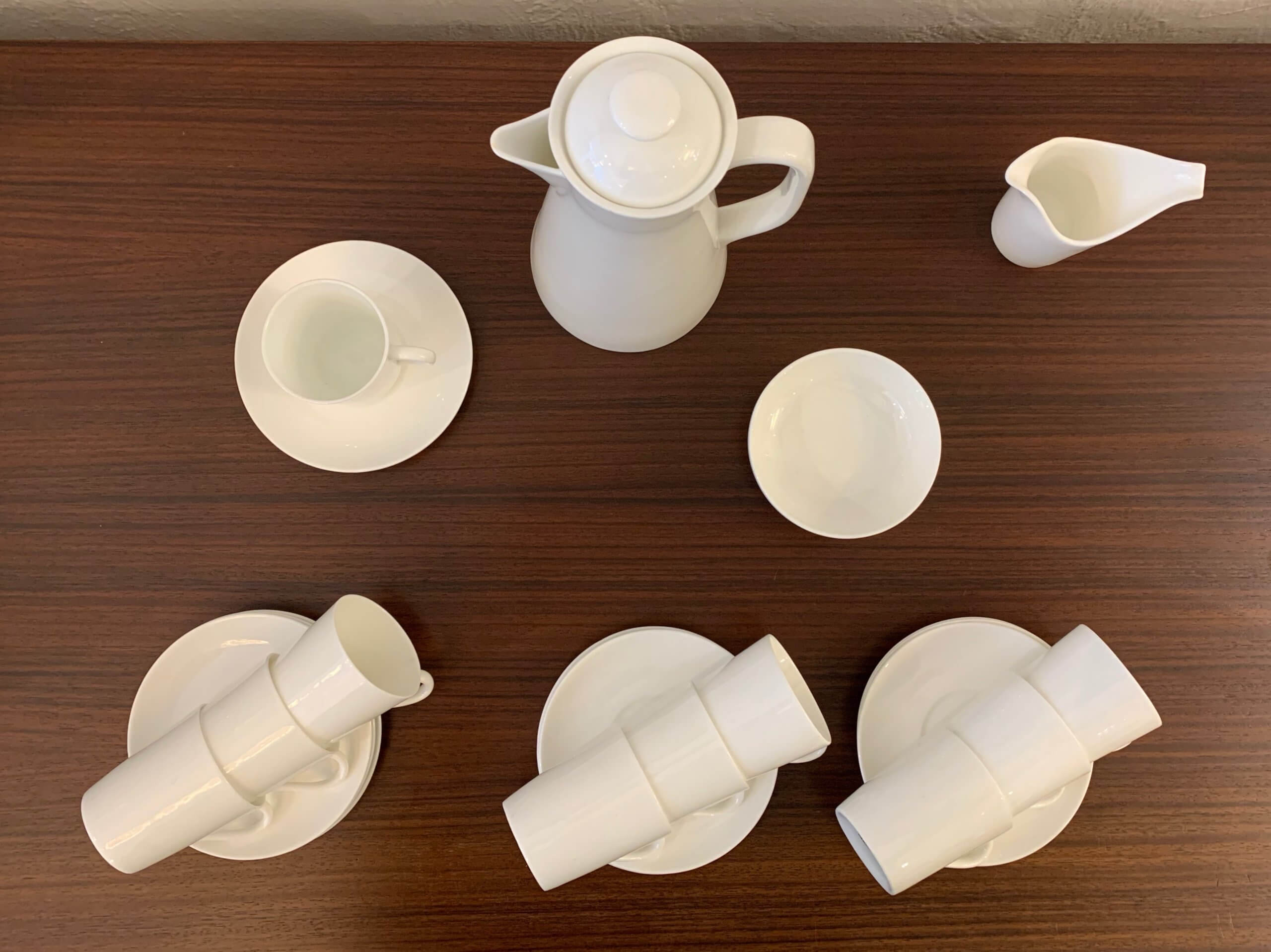 Vintage 'SA' Plain Bone China Mokka Servies