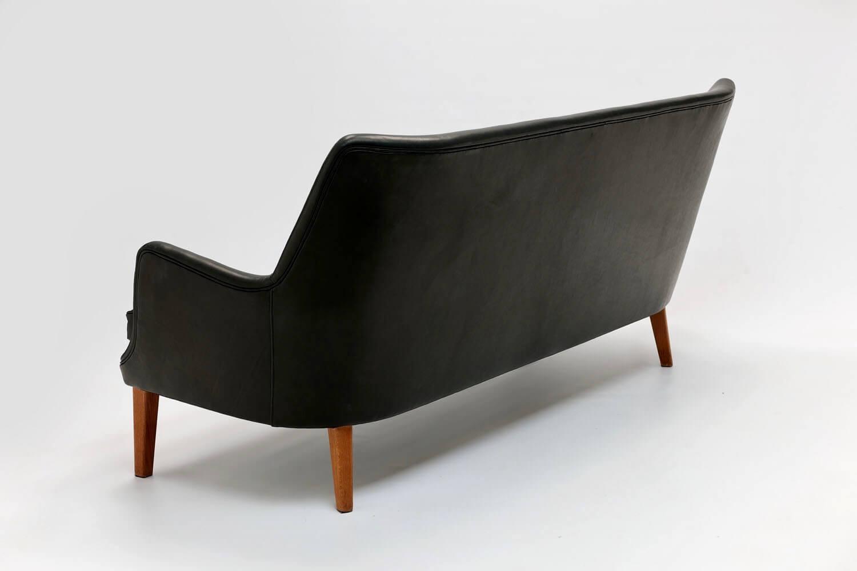 Vintage AV53/3 sofa