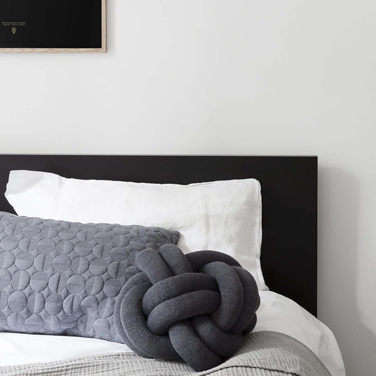 Knot Cushion 'Dark Blue'