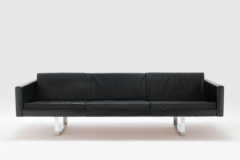 Sofa model 57