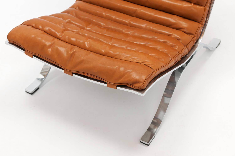 Vintage ARI Lounge Chair & Ottoman