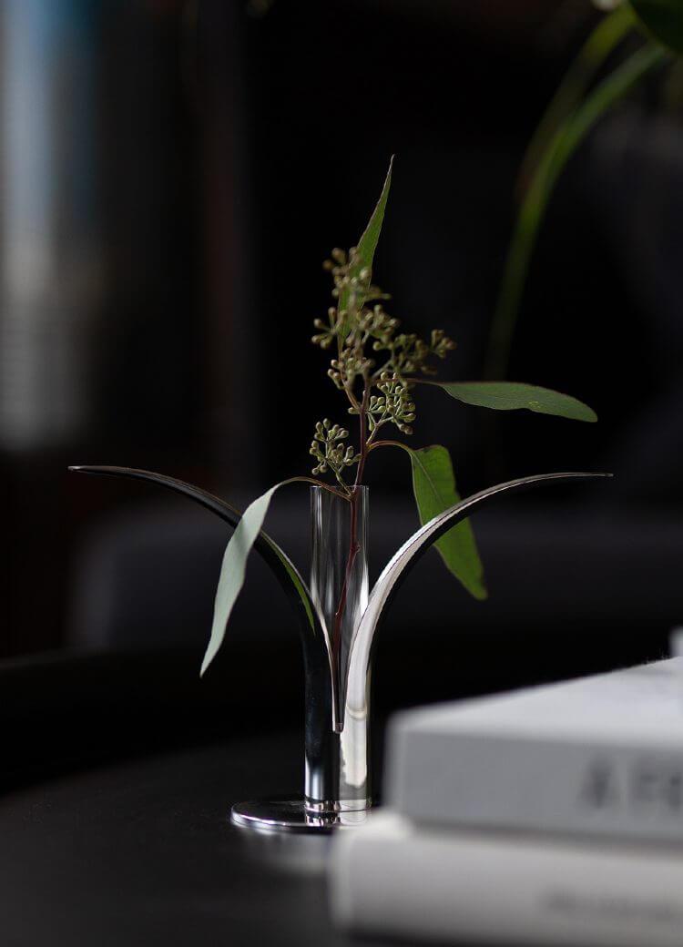 Vaasje voor lily kandelaar