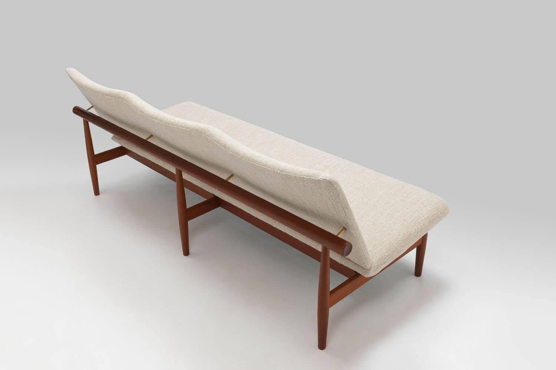 Vintage 'Japan' / 137 series sofa